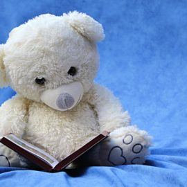 Leseratte mit Morgenroutine